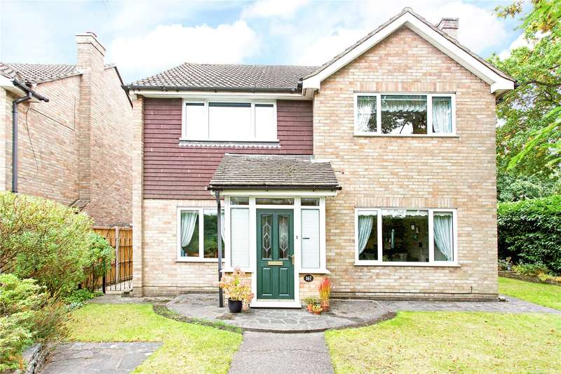 4 Bedrooms Detached House for sale in Alexandra Road, Farnborough, Hampshire, GU14