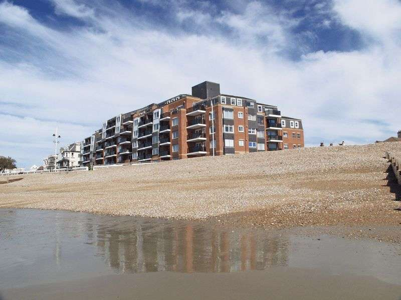 1 Bedroom Retirement Property for sale in Rock Gardens, Bognor Regis