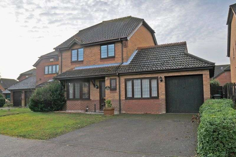 5 Bedrooms Detached House for sale in Taverham, Norwich