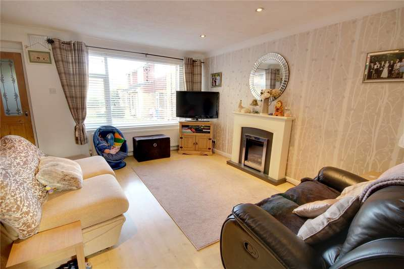 2 Bedrooms Terraced House for sale in Hillside Gardens, Addlestone, Surrey, KT15