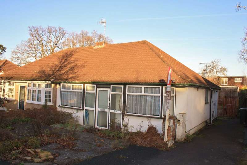 3 Bedrooms Semi Detached Bungalow for sale in Compton Place, Carpenders Park