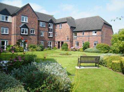 1 Bedroom Flat for sale in Brielen Court, Radcliffe-On-Trent, Nottingham