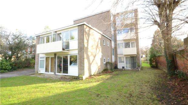 Apartment Flat for sale in Crescent Court, Crescent Road, Reading