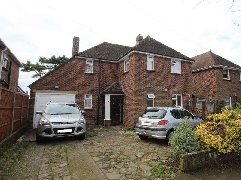3 Bedrooms Detached House for sale in Meadow Way, Littlehampton