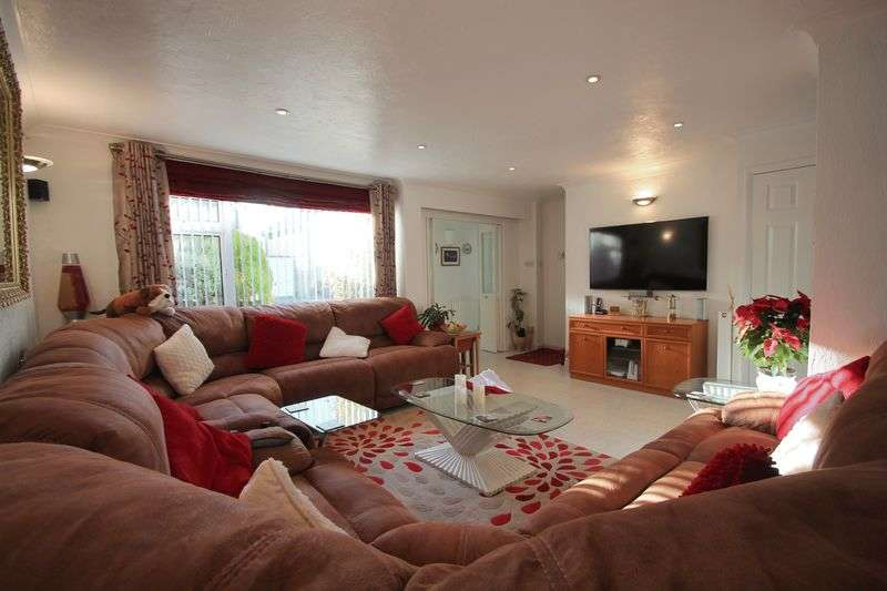 5 Bedrooms Detached House for sale in The Glen, Shepherdswell, DOVER