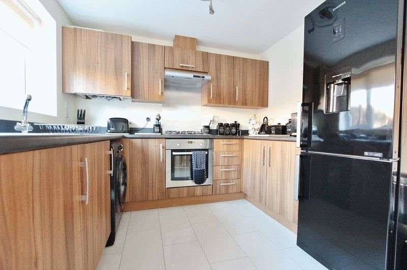 3 Bedrooms Semi Detached House for sale in Bell Lane, Bloxwich Walsall