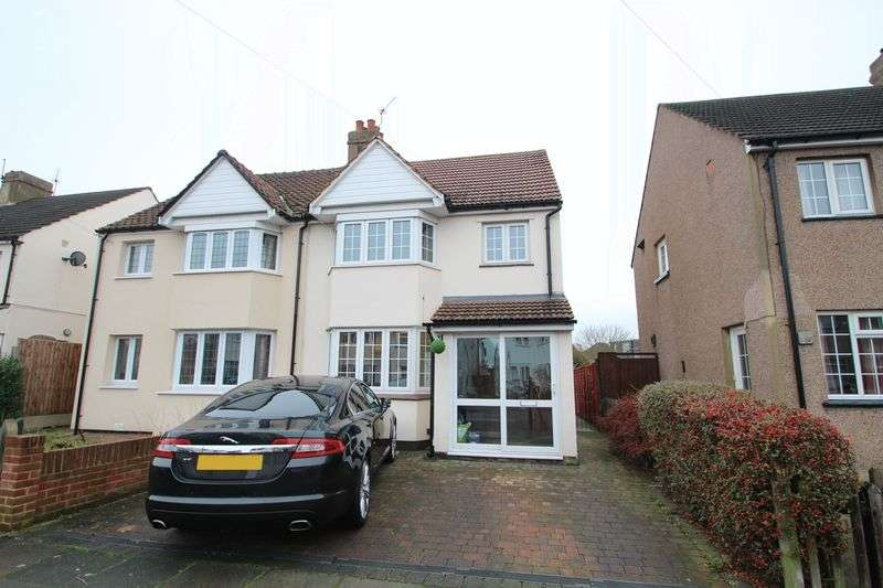 3 Bedrooms Semi Detached House for sale in Downs Avenue, Dartford
