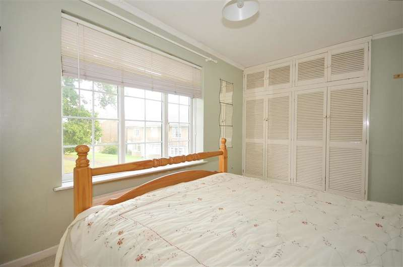 2 Bedrooms Terraced House for sale in Sycamore Court, Uckfield, East Sussex