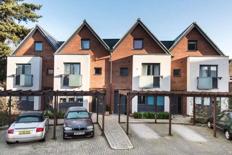 4 Bedrooms House for sale in Drayton Green, Ealing W13