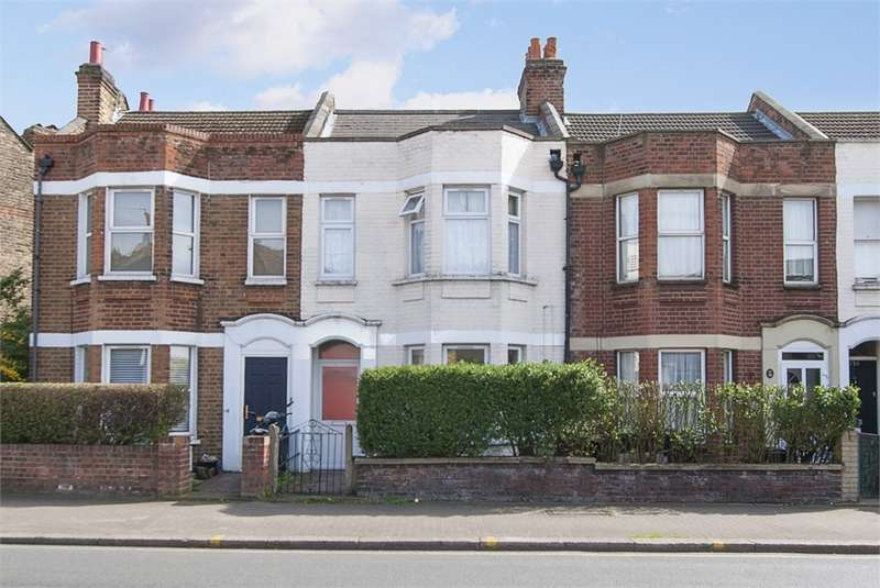 3 Bedrooms Terraced House for sale in Garratt Lane, London