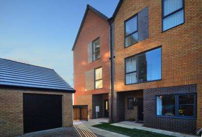 3 Bedrooms Semi Detached House for sale in The Residence, 263 Lakeside Boulevard, Doncaster, South Yorkshire