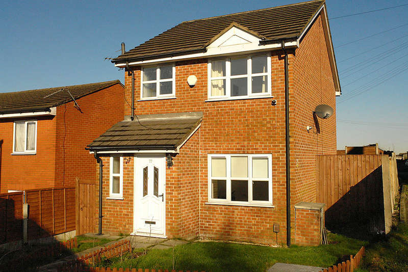 3 Bedrooms Detached House for sale in 77 Cromtpon Street, Coldhurst, Oldham