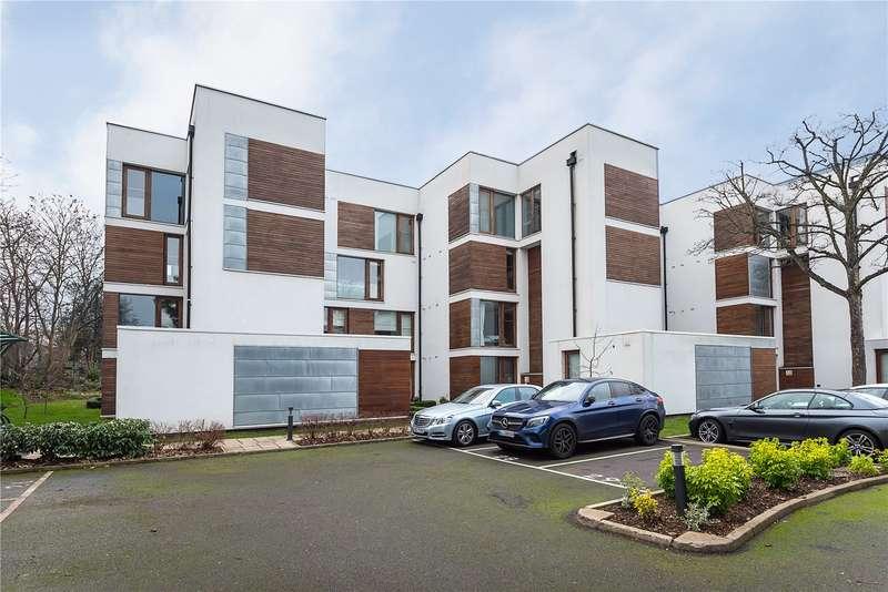 1 Bedroom Flat for sale in Rivermead Close, Teddington, TW11