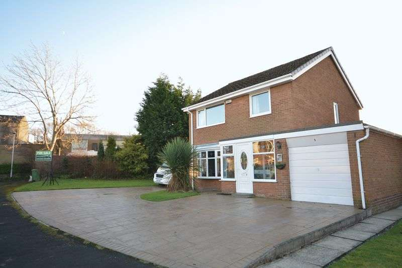 4 Bedrooms Detached House for sale in Meadowside Avenue, Clayton Le Moors