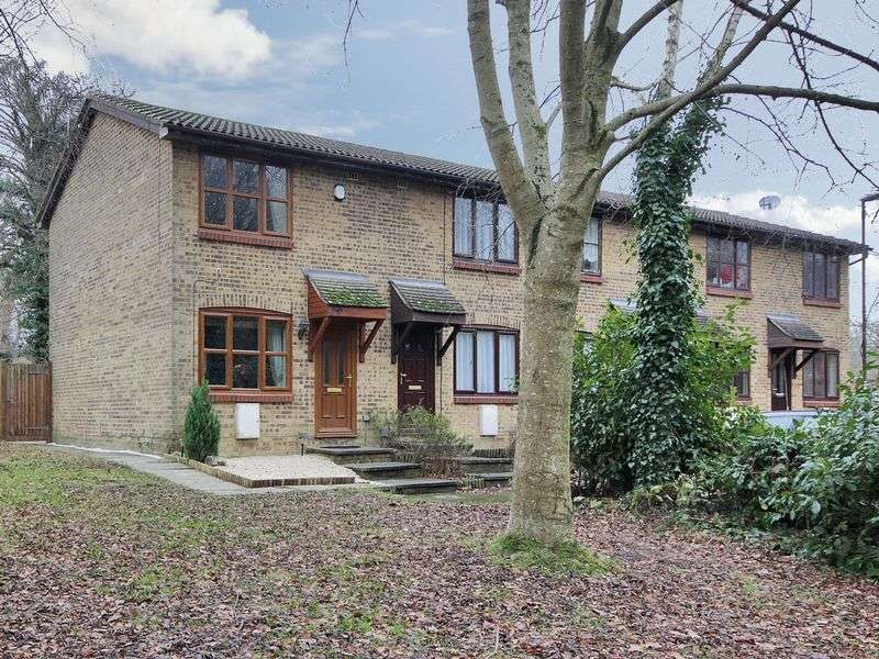 2 Bedrooms House for sale in Ferndown, Pound Hill, Crawley, West Sussex