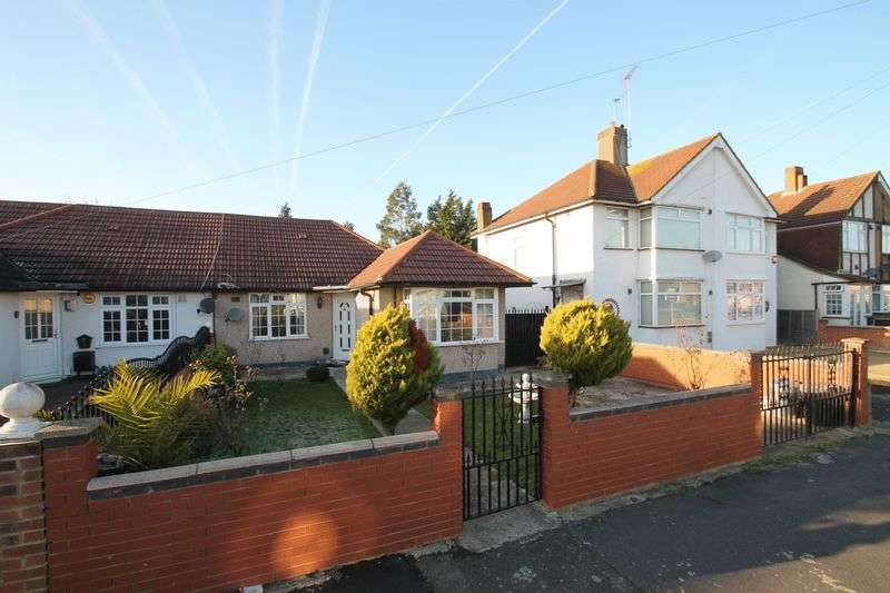 4 Bedrooms Semi Detached Bungalow for sale in Strathearn Avenue, Hayes
