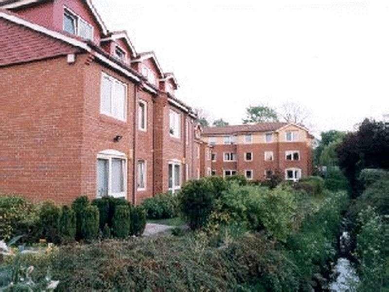 1 Bedroom Retirement Property for sale in Willow Court, Gatley, SK8 4BG