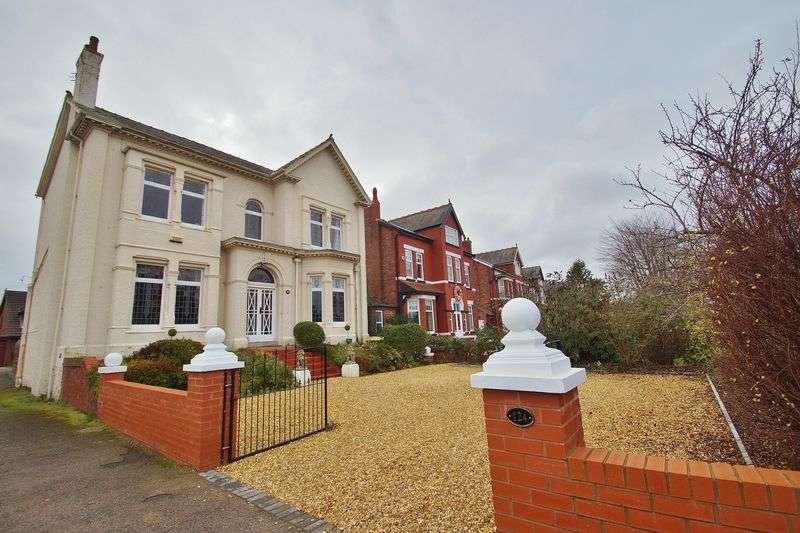 4 Bedrooms Detached House for sale in Cambridge Road, Churchtown