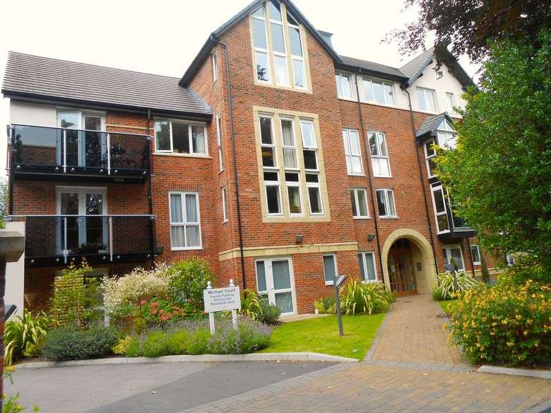 1 Bedroom Flat for sale in Oakfield, Sale: NO CHAIN one bed ground floor retirement apartment