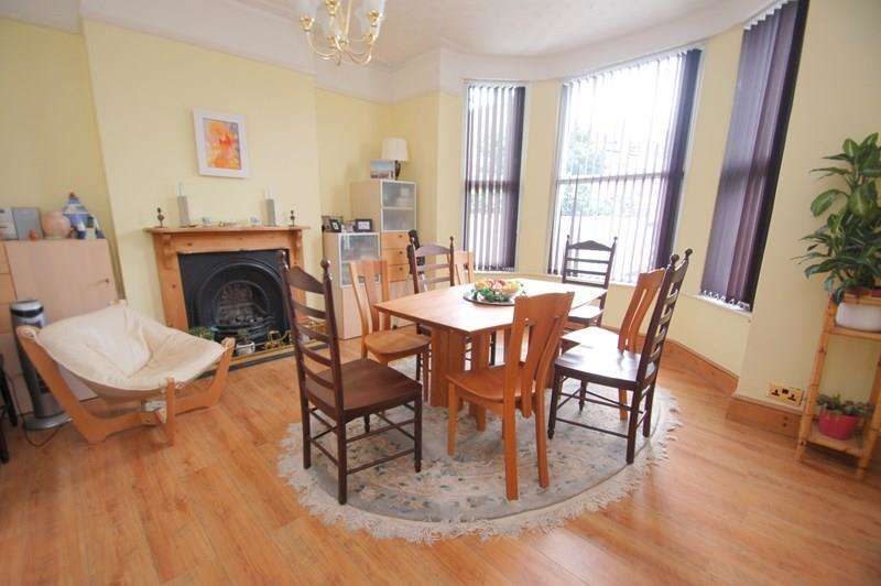 8 Bedrooms Semi Detached House for sale in Foster Road, Alverstoke, Gosport