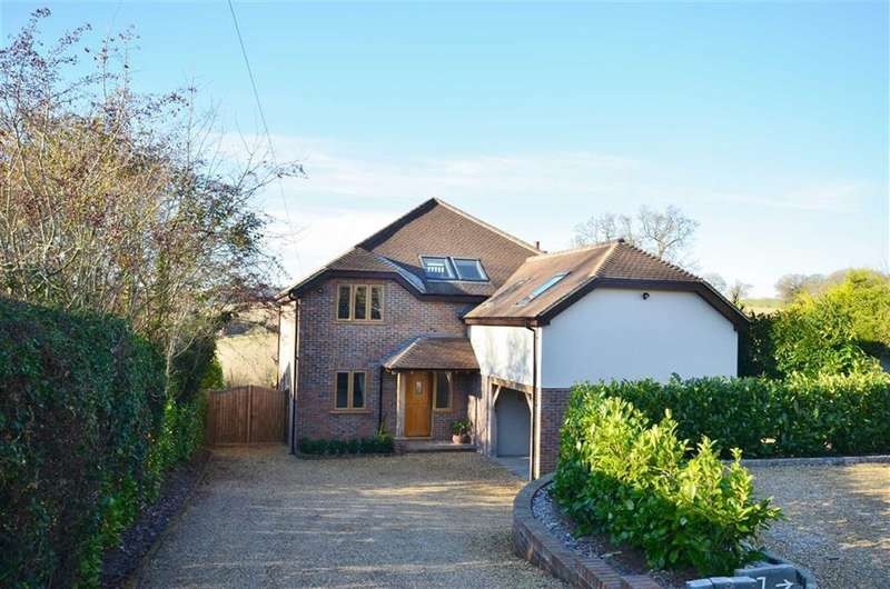 5 Bedrooms Property for sale in Larkfield Road, Farnham