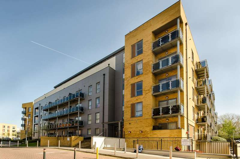2 Bedrooms Flat for sale in St Georges Grove, Earlsfield, SW17