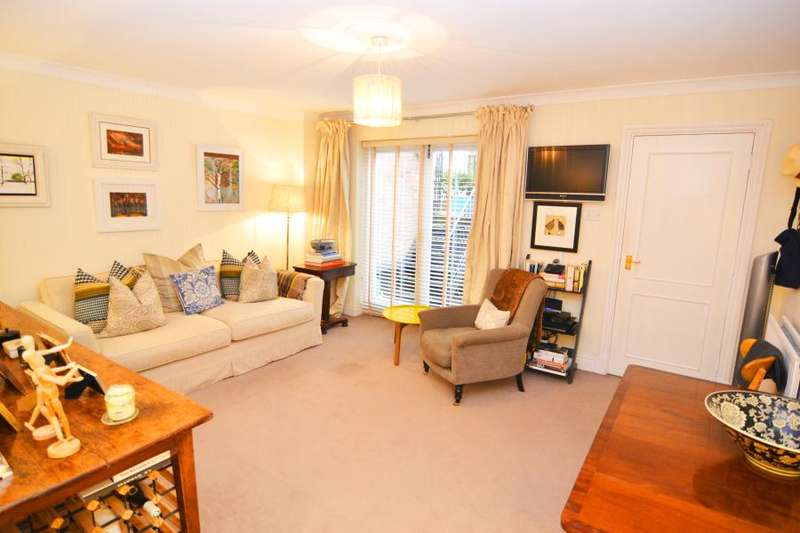 1 Bedroom Flat for sale in King George Square, Richmond TW10