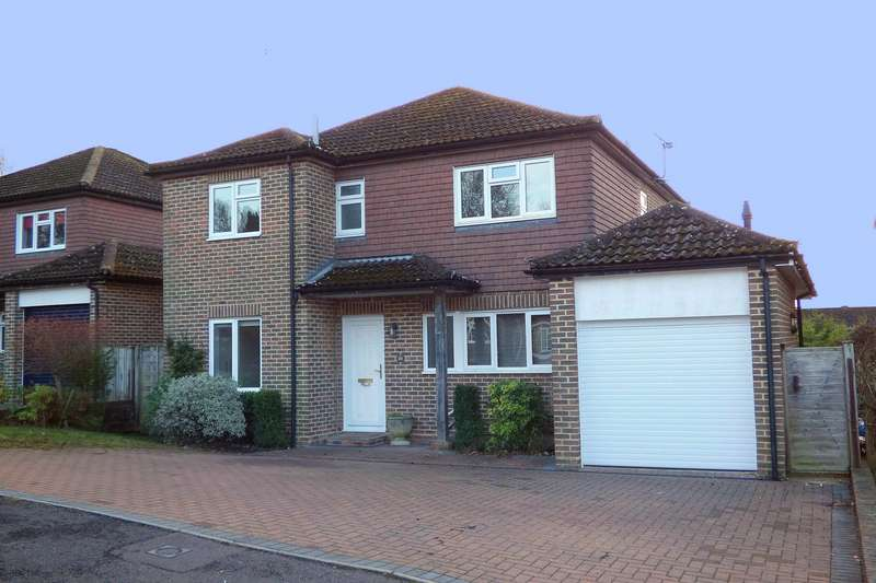 4 Bedrooms Detached House for sale in Goodwood Close, Midhurst, GU29