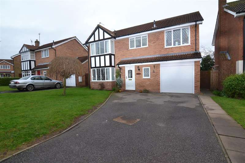 4 Bedrooms Detached House for sale in Chestnut Close, Gnosall, Stafford