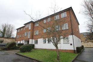1 Bedroom Flat for sale in Rushmore Court, Crunden Road, South Croydon