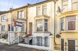 1 Bedroom Maisonette Flat for sale in Richmond Road, Gillingham, Kent, .