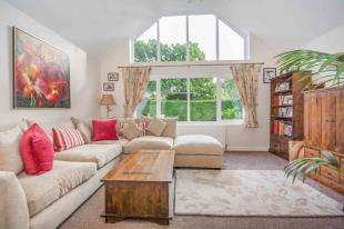4 Bedrooms Bungalow for sale in Broadwater Lane, Copsale, Horsham, West Sussex