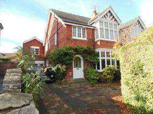 5 Bedrooms Semi Detached House for sale in Heene Road, Worthing, West Sussex
