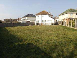 3 Bedrooms Detached House for sale in Sea Close, Goring-By-Sea, Worthing, West Sussex
