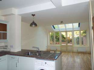 3 Bedrooms Terraced House for sale in Crow Lane, Rochester, Kent