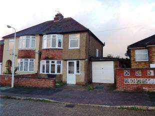 3 Bedrooms Semi Detached House for sale in Roman Road, Ramsgate, Kent