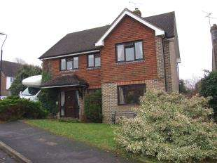 4 Bedrooms Detached House for sale in Willow Bank, Robertsbridge, East Sussex