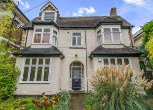 2 Bedrooms Flat for sale in Outram Road, Croydon