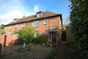 2 Bedrooms Maisonette Flat for sale in Parklands, Maresfield, Uckfield, East Sussex