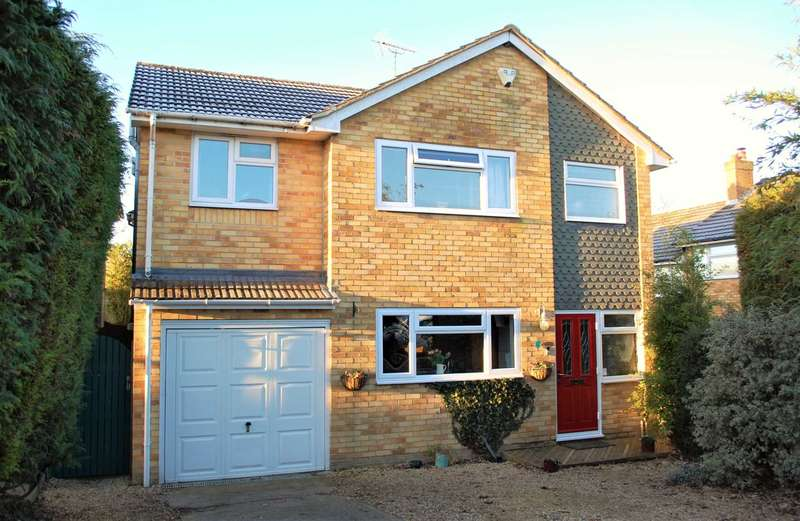 4 Bedrooms Detached House for sale in Chinnor Village