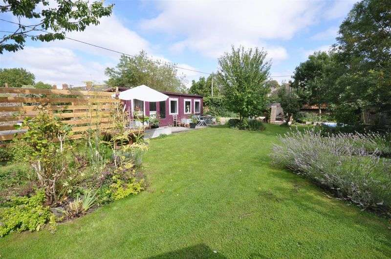 3 Bedrooms Terraced House for sale in Lower Keyford, Frome