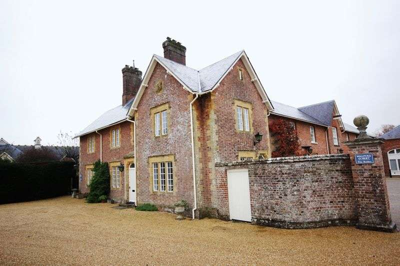 2 Bedrooms Flat for sale in The Stables, Walpole Court, Puddletown,
