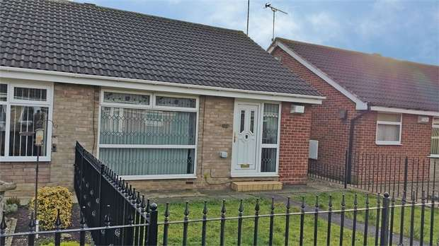 2 Bedrooms Semi Detached Bungalow for sale in Stonesdale, Hull, East Riding of Yorkshire