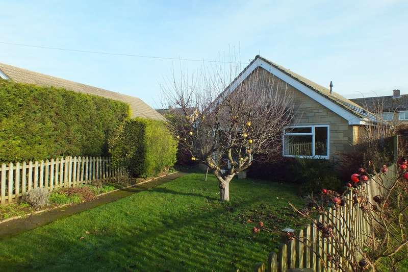 3 Bedrooms Detached Bungalow for sale in Fairford