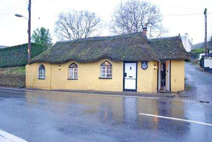 1 Bedroom Bungalow for sale in Newton Poppleford, Sidmouth