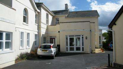 2 Bedrooms Flat for sale in Lansdowne Road, Torquay, Devon
