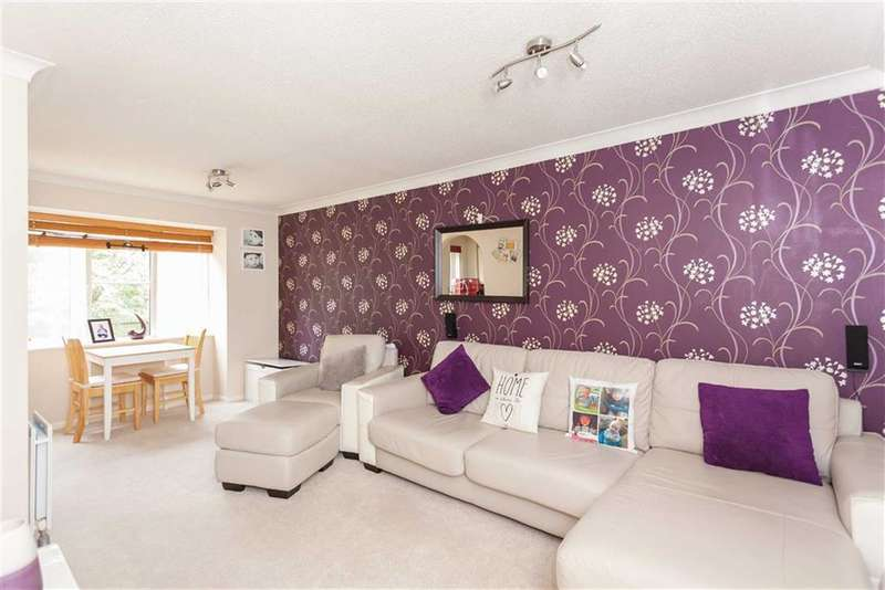 2 Bedrooms Property for sale in Thompson Way, Rickmansworth, Hertfordshire, WD3