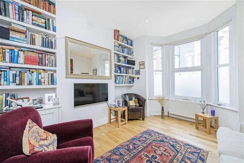 2 Bedrooms Flat for sale in Sandmere Rd, LONDON