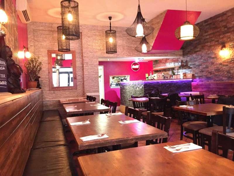Restaurant Commercial for rent in 16