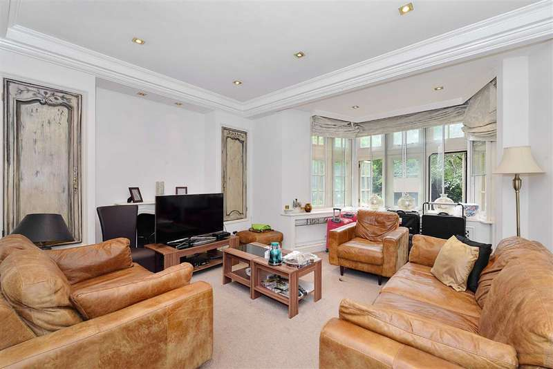 2 Bedrooms Flat for sale in Parkside, London